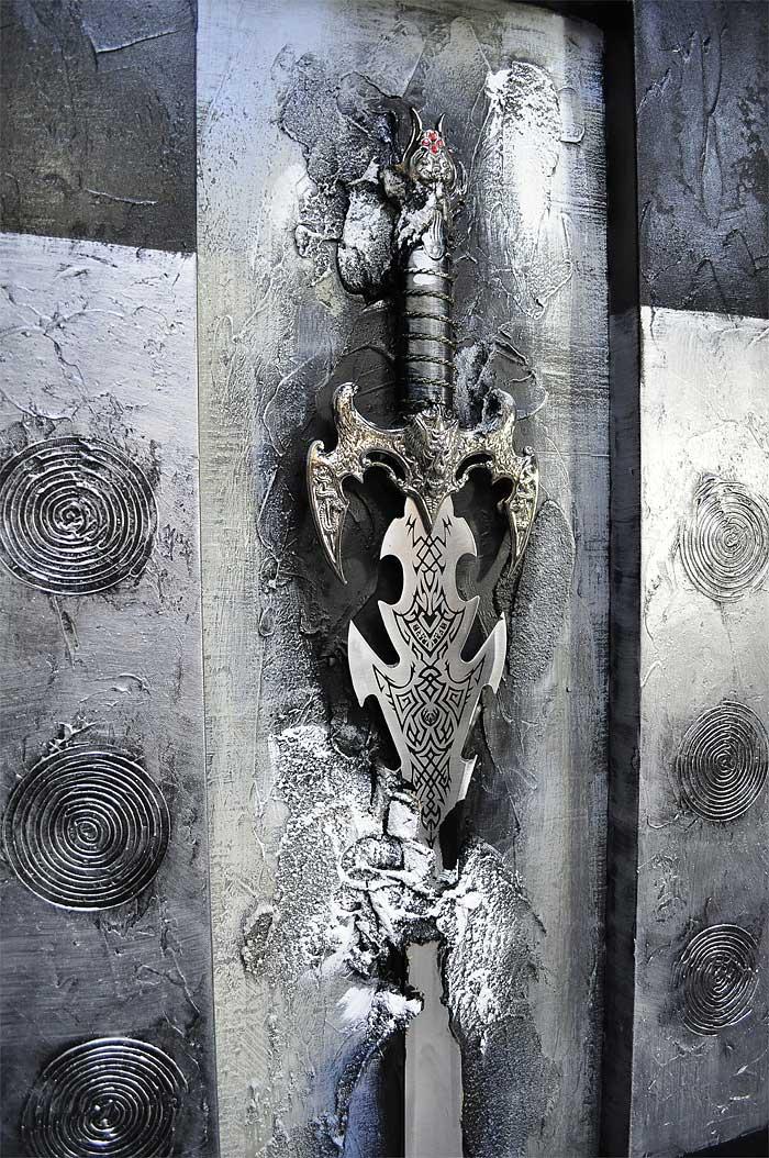 本物の剣を特殊な塗料で封印 本物を使うことから生まれる立体感 イーモンズアートコレクション 3D-SWORD001